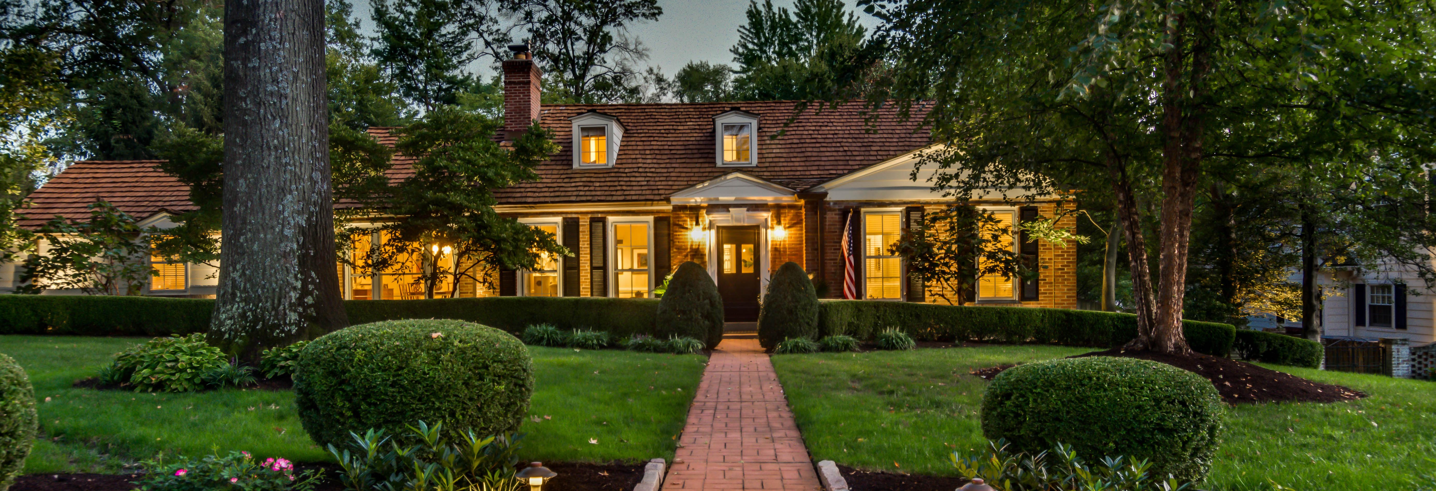 4 Wickersham Lane | Sophisticated Federal style!